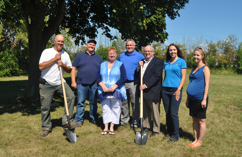 From left to right: Mike Audit, Mike Graybeil, Councillor Angie Desmarais, Scott Luey, Mayor John Maloney, Amanda Upper and Sarah Lacharity. Marine Recycling Corporation is teaming up with Raw Materials Company and the City of Port Colborne to build and manage a community garden at Lockview Park in Port Colborne with the fresh produce going to the Port Cares Reach Out Food Centre.